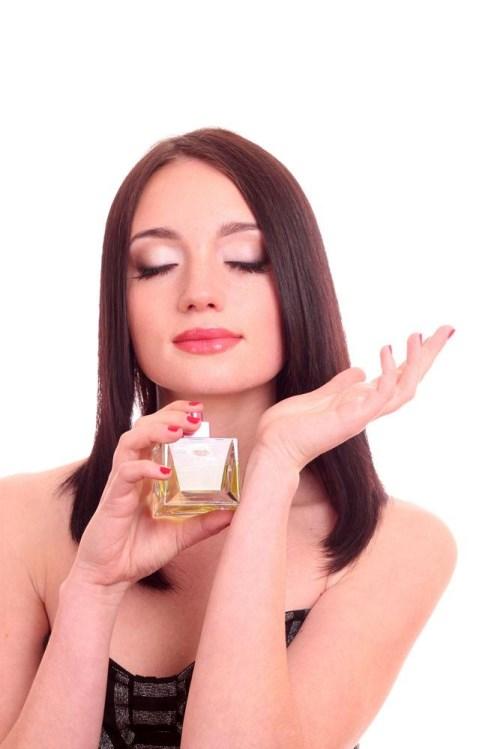 你平时喜欢喷香水吗?你有没有尝试过这样喷?