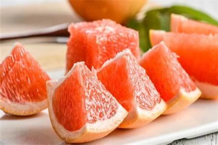 秋季吃什么能美白,推荐两种水果三种蔬菜