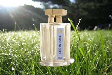 味道清淡的女性香水品牌排行,怎么用出低调冷淡风