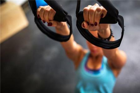 日常保持练习正确的瑜伽动作,还你一个健康身心