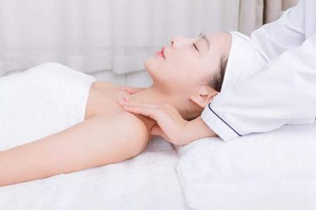 女性胸部疼痛是什么原因,乳房健康远离疾病