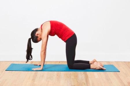 这四组瑜伽动作,可以保护女性的卵巢和子宫,改善腰酸背痛