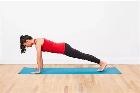 女性瘦腿又塑身的瑜伽动作,不仅让身体柔韧更具有力量