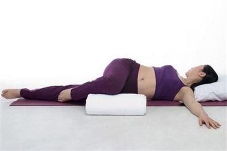 产妇如何控制体重,可根据产后的时间来安排瑜伽训练
