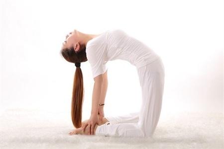解锁多种性爱姿势,三组瑜伽动作打开情趣世界