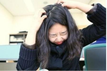 头皮屑变多的五个原因,女生保养头发去头屑的正确方法