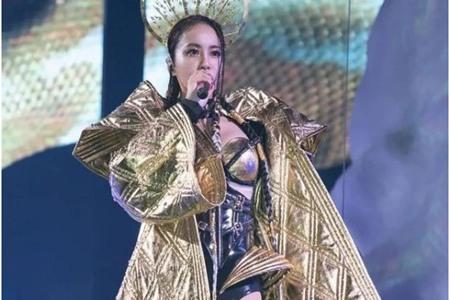 蔡依林演唱会性感火辣造型盘点,青峰称巨资礼服是阿联酋空姐