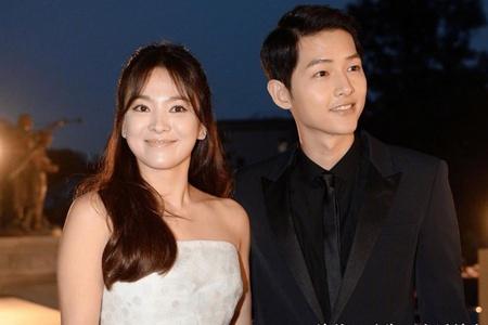 宋仲基签约新公司两部电影资源太好,前妻宋慧乔旅游散心