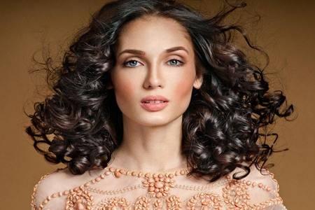 2020年女生最新流行卷发图片,新年最适合的六款发型卷发