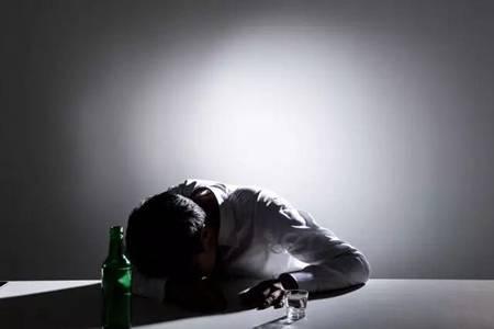头孢和酒一起喝有什么后果?春节喝酒要注意不然小命不保