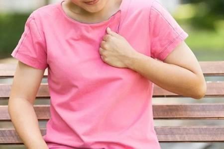 心脏病的早期症状有哪些?女性要关注甲亢症状也会导致心脏病