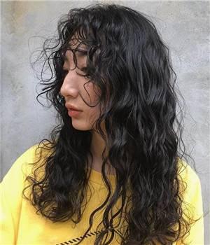 女生羊毛卷发型图片,2020最流行卷发自己烫步骤