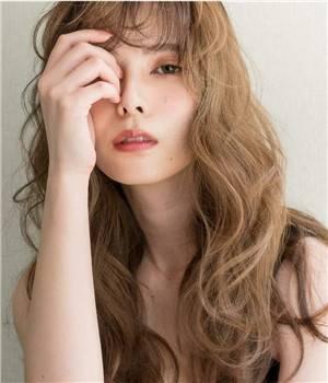女生解决头发干枯毛躁的方法,养护出光泽发质的秘诀