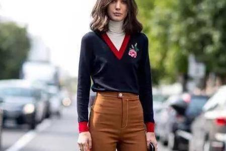 咖色的阔腿裤应该怎么搭配 简单的穿衣搭配技巧不撞衫