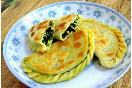 韭菜盒子的做法窍门,酥脆流汁韭菜饼的家常食谱