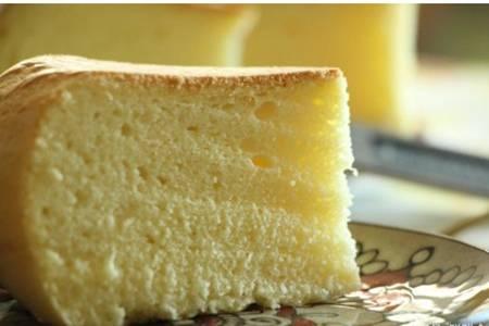 电饭锅做蛋糕的方法与配方,鸡蛋牛奶做出松软戚风蛋糕