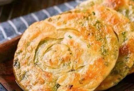 葱花饼怎么做好吃?葱油饼最简单的家常做法