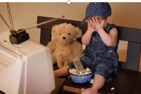 新手爸妈抱怨2岁的孩子太难带 正确的幼儿教育要怎么做