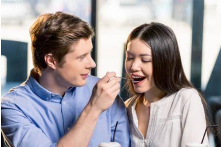 恋爱辅助器:让你能把喜欢的人追到手的八种表白方式