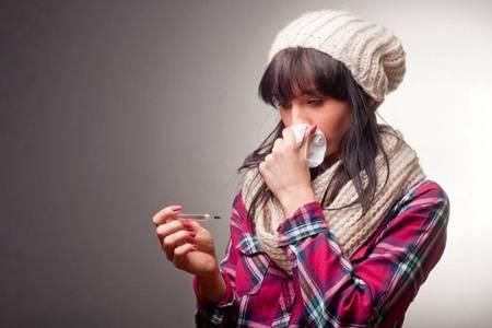 发烧搓哪个部位退烧快,快速退烧的六个穴位按压方法