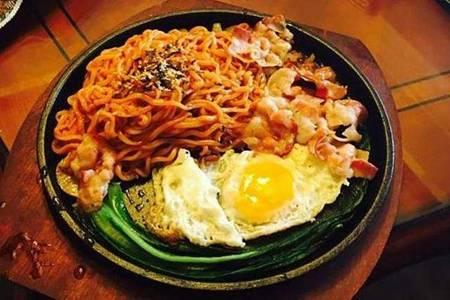 火鸡面最好吃的做法,追剧时配上韩式吃法简直无敌了