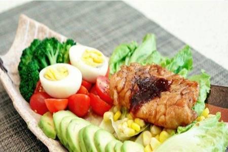 鸡胸肉的五款健身餐做法,在家做简单嫩滑美味鸡胸肉