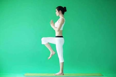 瑜伽初级视频教程初级全套,女生在家练出细腰身材