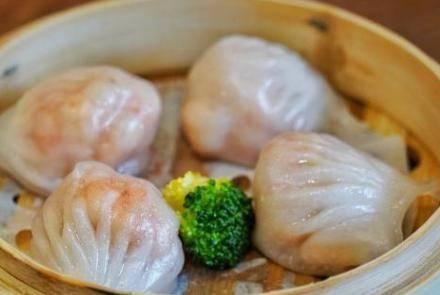 水晶饺子皮的做法是什么?擀饺子皮合面用的面粉是什么