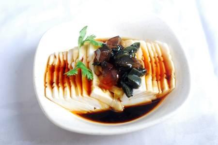 皮蛋凉拌的做法 皮蛋拌豆腐怎么做最好吃