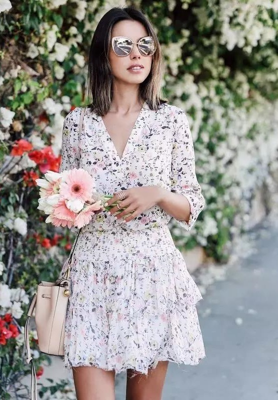 清新靓丽的印花裙,让繁花在身上绽放