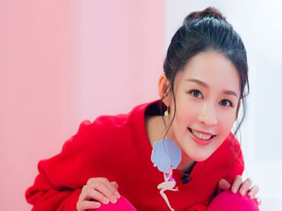 李沁和江疏影的穿搭可以说是解锁了新时尚,爱美的女孩还不学起来?