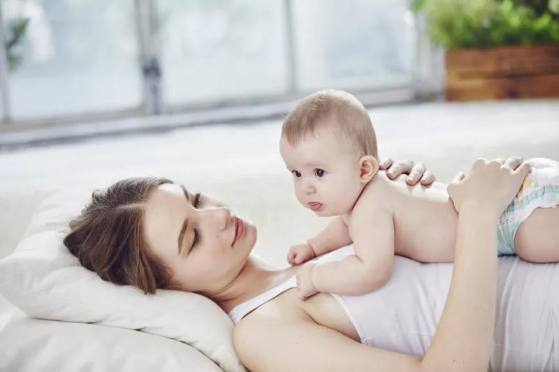锻炼宝宝自主睡觉的最佳时间