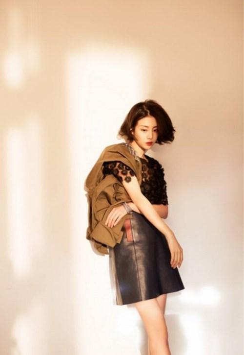 168迪麗熱巴和170李溪芮同穿短裙,身高差2cm,畫風竟如