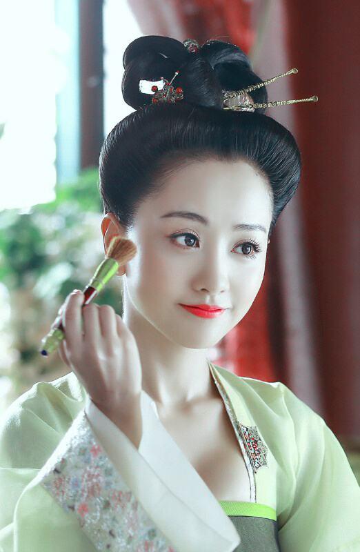 演员洗澡特效大盘点,杨蓉关晓彤baby,一个动作说明演技水平