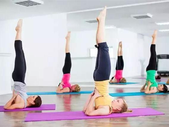 瑜伽肩倒立,让你重回十八岁