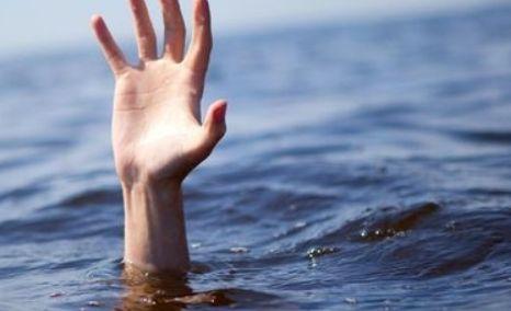遭遇溺水的该怎样自救