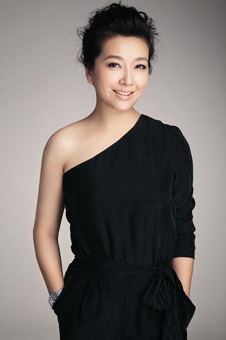 江珊曾与靳东传过姐弟恋,可离婚多年她却成了都市剧女王