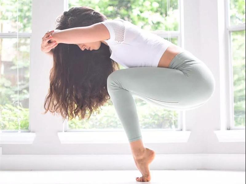 """抓住""""黄金一小时"""",让你的瑜伽练习更加有效"""