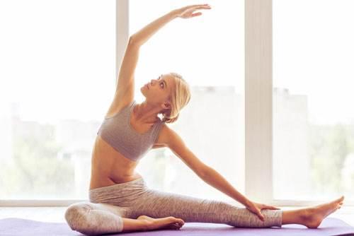 如何练习瑜伽山式,激活双足足弓