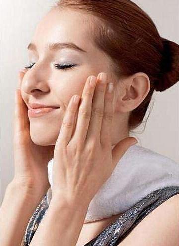 女人如何做到不显老?你要做好皮肤管理的这3点