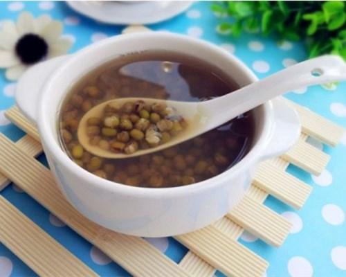 夏天的你经常喝绿豆汤,但是别人却告诉你绿豆汤这些禁忌?