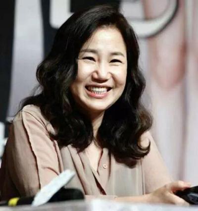 跟她合作过的韩国明星基本上都红了一把,她究竟是谁?