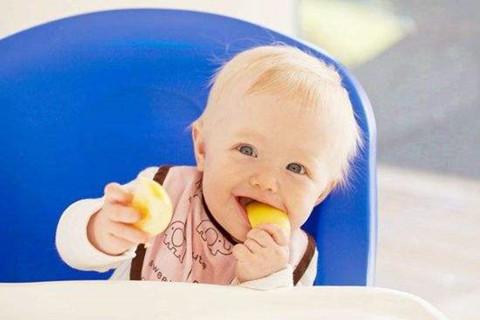宝宝喜欢磨牙,这一件事要注意