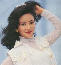 谢霆锋妈妈年轻时太美了,出尘绝艳!名震香江,难怪能绑住谢贤!