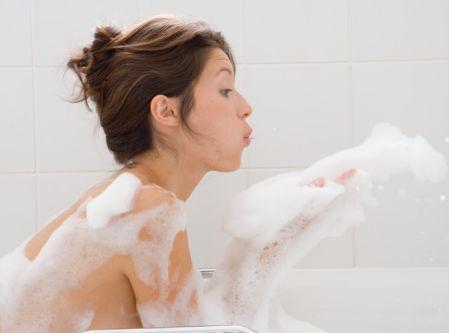 夏天经常洗澡但你都怎么洗?可能你们都洗错了!