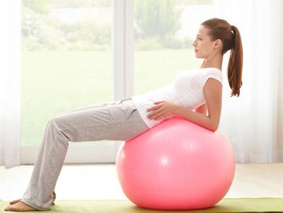 瑜伽球的六个练习体式,帮你练出好身材:下篇