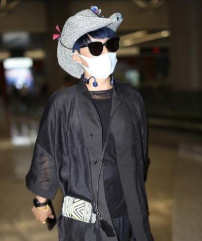 陈志朋一直打扮另类,这次却很低调,看到粉嫩的蝴蝶我拒绝了