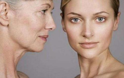 步入中年女性老化加快?究根结底可能是这个原因起作用
