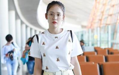 39岁的陈乔恩穿上这一身太嫩了,乖乖女的样子只有20岁!