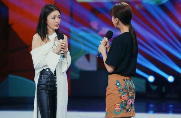 """""""富察皇后""""迷上皮裤,美出新高度,看起来特别有格调"""